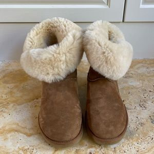 UGG Side Button Bailey Boot